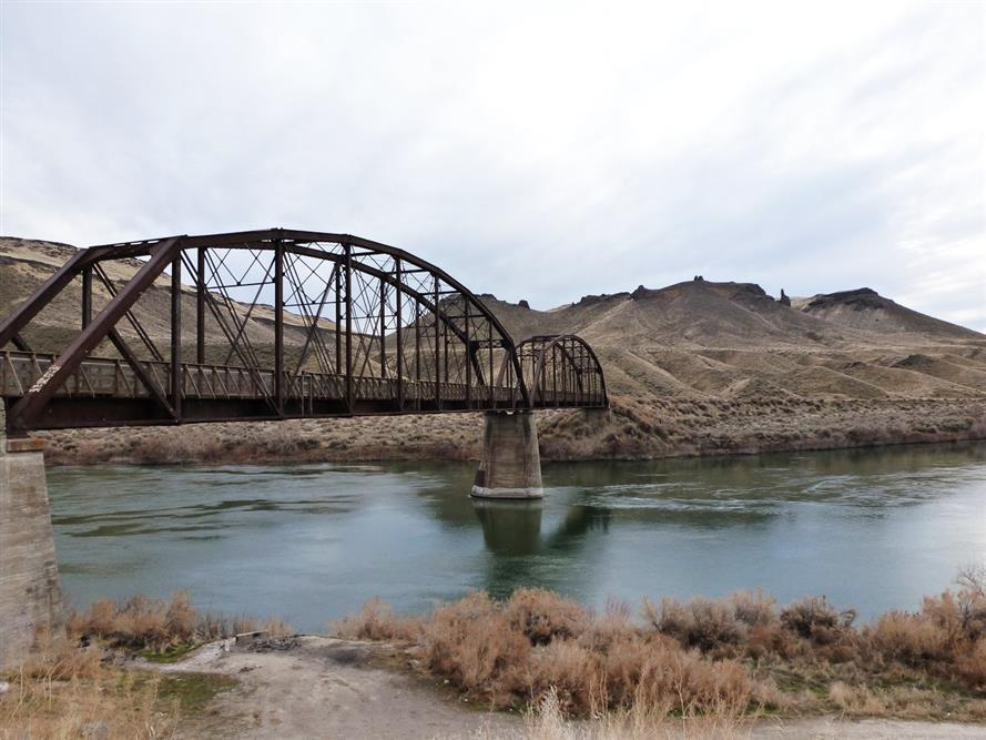 Guffey railroad bridge trail
